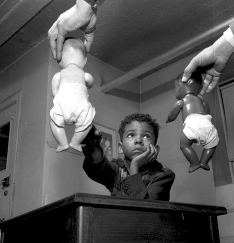 Тест с куклами, проводимый доктором Кеннет Б.Кларком. Гарлем, Нью-Йорк, 1947